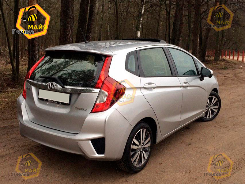 honda-fit-car-rent-1