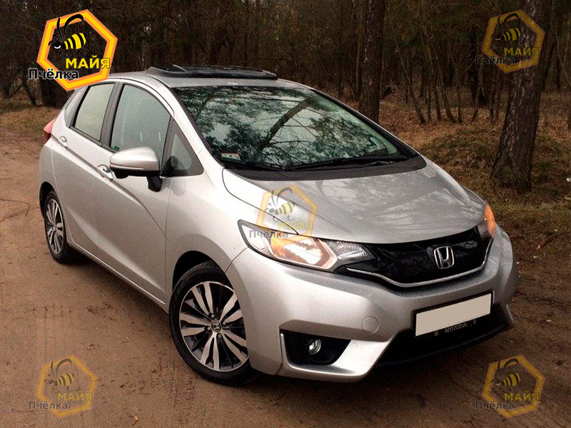 honda-fit-car-rent-2
